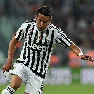 Juventus Pinjamkan Isla dan De Ceglie ke Marseille