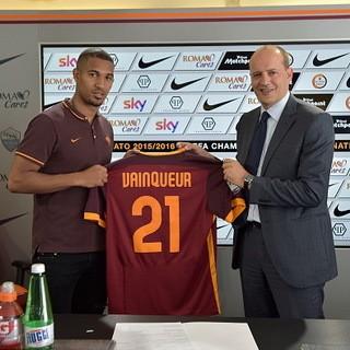 Roma Dapatkan Tiga Pemain Baru di Hari Penutupan Bursa Transfer