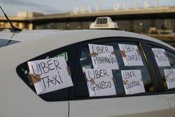 20 Taksi Uber dan Grab Car Kena Sweeping di Jakarta