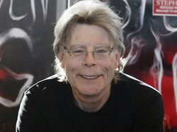 Stephen King Raih Penghargaan Sastra Tertinggi di Amerika