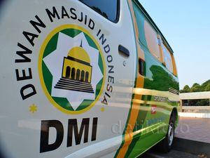 Daihatsu Serahkan 50 Gran Max ke Dewan Masjid Indonesia