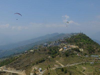 Ini Spot Paralayang Favorit & Terindah di Nepal