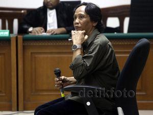 Hakim Tolak Eksepsi Mandra