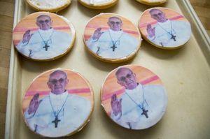 Sambut Kedatangan Paus Francis di Amerika, Ada Keju dan Pizza Berwajah Paus