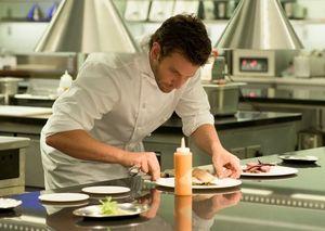 Bradley Cooper Tampil Memukau Sebagai Chef Profesional dalam Film Burnt