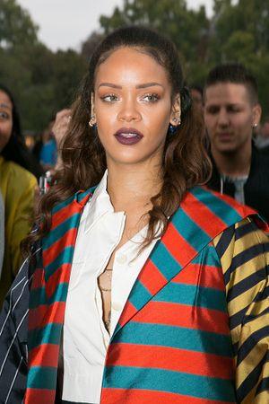 Belum Lama Dekat, Rihanna Ingin Kenalkan Kekasih Pada Orangtua