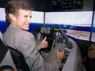 Simulator Jet Tempur F-16 Viper Hadir di Indonesia