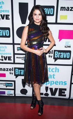 Penampilan Selena Gomez Ganti 6 Kostum Dalam 1 Hari