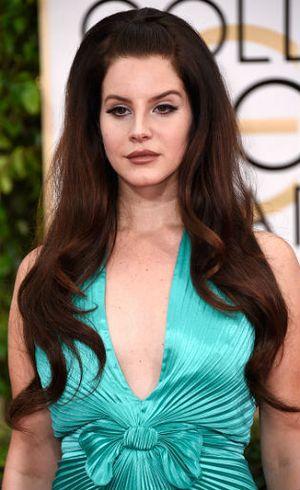 Terlalu Takut Mati, Lana Del Rey Jalani Terapi