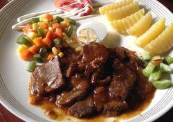 Kedai Nyonya Rumah: Mencicipi Java Steak dan Nasi Campur Racikan Nyonya Rumah