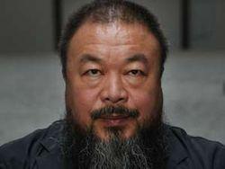 Seniman Kontroversial Ai WeiWei Disensor Lego