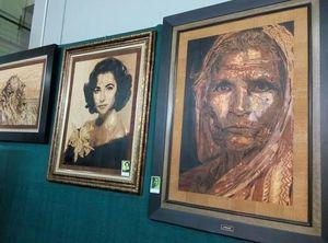 Kreatif, Limbah Kayu Jadi Lukisan Wajah Jokowi Rp 18 Juta
