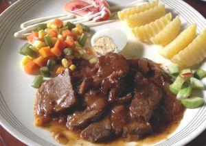 Nyam! Ada Java Steak dan Nasi Campur Komplet di Kedai Nyonya Rumah