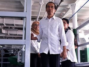 Jokowi Luncurkan Kapal Angkutan Sapi