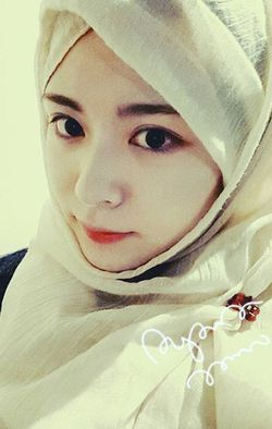Pengakuan Ayana Jihye, Wanita Cantik Korea Berhijab yang Populer di Internet