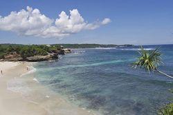 Liburan Romantis ke 5 Pulau di Indonesia Ini