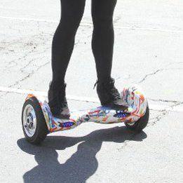 Seleb Hobi Hoverboard: dari Kendall Jenner Sampai Justin Bieber
