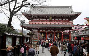 Menjelajah Megahnya Kuil Sensoji Asakusa di Tokyo