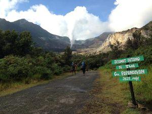 Belajar Mendaki di Gunung Papandayan