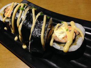 Oishii! Puas Menyantap Sushi dan Ramen di 3 Wise Monkeys