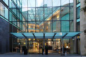 Inilah Hotel Tempat Ibrahimovic Menginap di Manchester