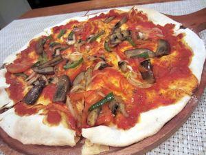 Nyamm! Enaknya Pizza Vegetarian a la Italia di Kafe Mungil Ini