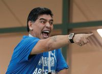 Kelewat Senang, Maradona Langsung Tumbang