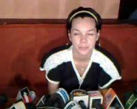 Dewi Sandra Lepas Cincin Kawin