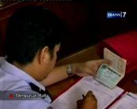 Diduga Peras Aktor Hollywood, Oknum Petugas Imigrasi Bali Diperi