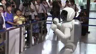 Bisa Dialog Mandiri, Robot Pintar Asimo Makin mirip Manusia