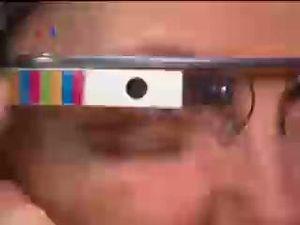 Dilarang Menyetir Sambil Ber-Google Glass
