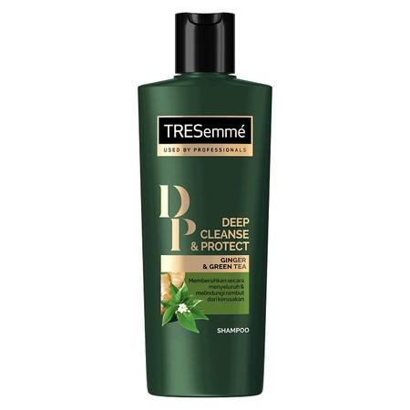TRESEMME Protect Shampoo 340ml Shampoo Membersihkan rambut secara menyeluruh dari polusi, keringat, dan sisa produk Kandungan natural ekstrak ginger & green tea yang kaya anti-oksidan Melindungi rambut dari kerusakan Mengembalikan kilau sehat alami rambut
