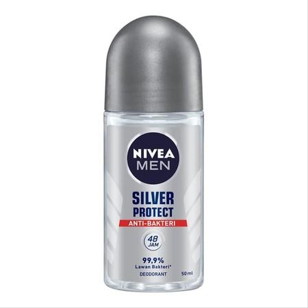 Nivea Men Silver Protect Spray Mengandung Formula Anti-Bakteri Dari Silver Ion Yang Membantu Mencegah Bakteri Penyebab Bau Badan. Perlindungan Dari Bau Badan Selama 48 Jam Dengan Aroma Maskulin Yang Modern. Melawan Bau Badan Tak Sedap Dengan Perlindungan