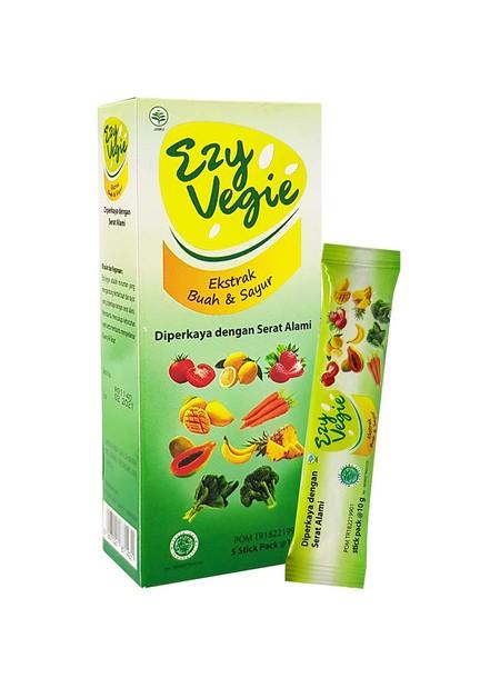 Kombinasi 11 macam ekstrak buah dan sayur, diperkaya dengan serat alami dan ekstrak. Dengan rasa jeruk yang segar dan tidak menggumpal. Minum EzyVegie bantu lancarkan Buang Air Besar.