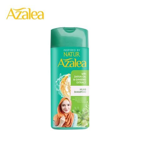 Azalea Hijab Shampoo mengandung bahan alami Zaitun Oil dan Ginseng Extract yang melembutkan helaian rambut dan membantu merawat kekuatan akar rambut. Membersihkan rambut, mengurangi rasa gatal di kulit kepala dan memberikan sensasi dingin untuk menjaga ke