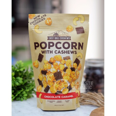 Chocolate Caramel Popcorn is a fine blend of farmer-direct cashews and crispy caramelized popcorn topped off with hand-made dark tropical cacao cookies and carefully curated Indonesian vanilla. These unique flavors are created by small-batch craftsmanship