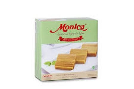 Monica kue lapis legit dengan rasa original. Terbuat dari komposisi telur, gula, lemak susu anhidat, margarin, tepung terigu, susu kental manis, pengemulsi, pengembang makanan, dan tanpa pemanis buatan yang dipadukan dengan resep rahasia dari keluarga yan