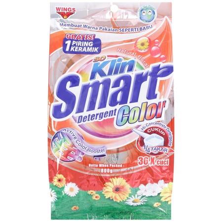 Bersihkan Seluruh Pakaian Anda Dan Keluarga Dengan Maksimal Menggunakan Soklin Smart Color 800Gr. Detergen Ini Mampu Membersihkan Noda Membandel Pada Kain/Pakaian Berwarna Putih. Cocok Untuk Mencuci Sehari-Hari. Mampu Membuat Serat Kain Lebih Mengembang D