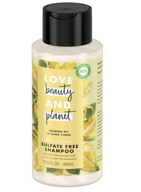 Keharuman khas yang maskulin membuat kulit kepalamu terasa bersih sempurna dan untuk keharuman yang tahan lama sepanjang hari.