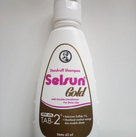 Selsun merupakan shampoo spesialis anti ketombe untuk mengatasi masalah ketombe dan menjaga kulit kepala tetap sehat. Dengan kandungan Selenium Sulfide yang direkomendasikan oleh para ahli kesehatan.  Selsun Gold mengandung Selenium Sulfide yang diformula