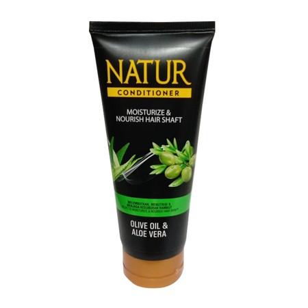 Natur Olive Oil & Aloevera Conditioner membantu memberikan nutrisi pada helai rambut untuk membantu menjaga kesuburan rambut, sehingga rambut tampak lebat, halus, lembut, lembab serta mudah diatur.