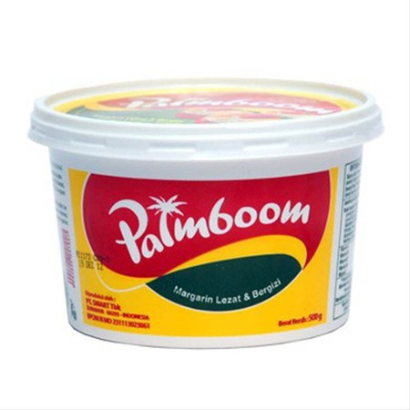Margarin mengandung lebih sedikit lemak daripada mentega, sehingga margarin banyak digunakan sebagai pengganti mentega. Palmboom margarin, dalam kemasan curah curah 250g.