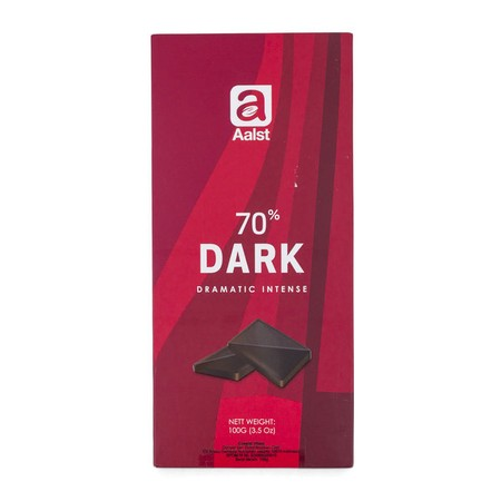 Sourced from South America, this premium dark chocolate contains 70% cocoa which produces dramatically bitter notes and is balanced with a mild after taste of floral and fruit.