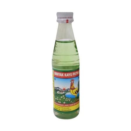 Minyak Kaya Putih Cap Ayam adalah minyak kaya putih dengan mengandung 100% minyak alami yang berasal dari daun pohon cajuput (kayu putih) yang diambil langsung dari perkebunan Sulawesi Selatan. Cap Ayam Minyak Kayu Putih hadir dengan aroma wewangian khas