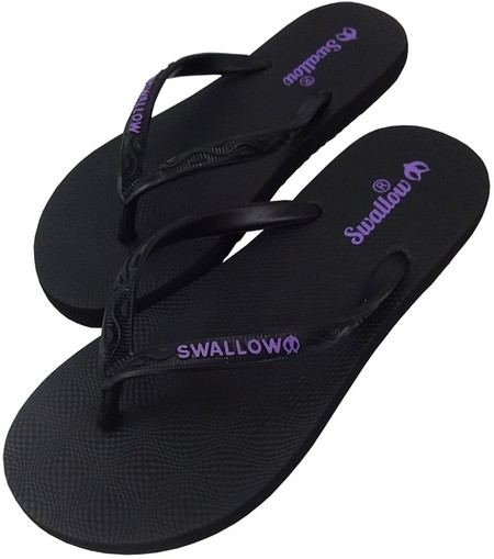 Slipper Swallow adalah Alas kaki Wanita berbahan karet yang lentur dan nyaman untuk keperluan sehari hari dengan warna Hitam menarik, size 10