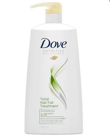 Dove Total Hair Fall Treatment Shampoo Dengan Trichazole Actives. Menutrisi Pangkal Rambut, Melapisi Kutikula Dan Memperkuat Rambut Sehingga Mencegah Kerontokan*. (Di Setiap Pemakaian, Rambutmu Senantiasa Ternutrisi, Kuat Dan Indah.)