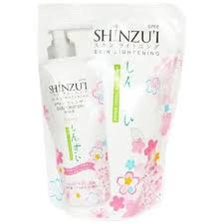 Shinzui Body Cleanser Ayumi Refill 450Ml Adalah Sabun Cair Yang Dapat Membersihkan Dan Mencerahkan Kulit Secara Alami Dan Lebih Efektif. Sabun Cair Dari Jepang Ini Diperkaya Dengan Herba Matsu Oil, Bahan Pemutih Yang Mencerahkan Kulit Dengan Membentuk Leu