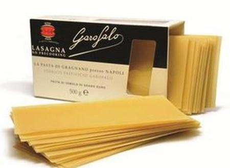 Garofalo Pasta Lasagna, terbuat dari Gandum Durum Semolina berkualitas, bahan mentah yang berkualitas dipilih dengan hati-hati untuk menghasilkan produk yang berkualitas dan sempurna dalam proses masak, sehingga menghasilkan lasagna dengan citarasa pasta