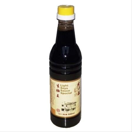 KCT Light Soya Sauce Special 640ml merupakan kecap penyedap rasa kualitas terbaik dengan rasa lebih ringan yang diproses secara higienis. Ideal untuk melengkapi berbagai hidangan spesial keluarga.