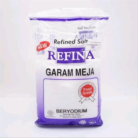 REFINA GARAM MEJA UKURAN 500GR Garam Refina merupakan garam konsumsi dengan tekstur yang halus, putih, dan bersih. Dibuat dengan teknologi refinery pertama yang akan menghasilkan garam sehat dan layak untuk dikonsumsi. Dapat digunakan untuk memasak atau d